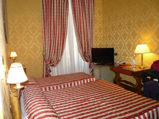Hotel Royal Court: triple room