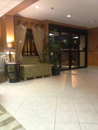 BEST WESTERN Ocala Park Centre: Inviting lobby