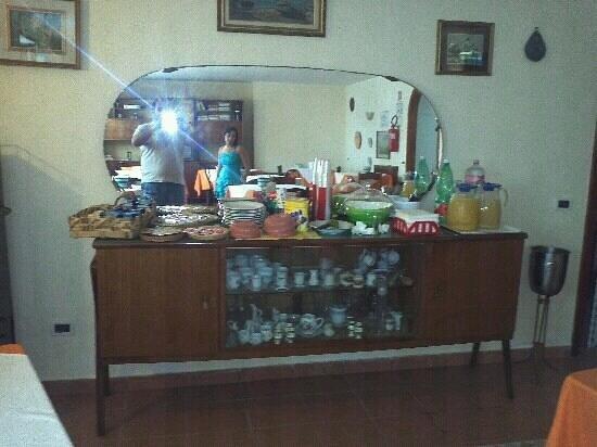 Marina di Ascea, Italy: colazione in... credenza dal nonnina! ah ah ah..
