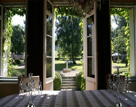 Chateau les Parcs Fontaines : vue du salon