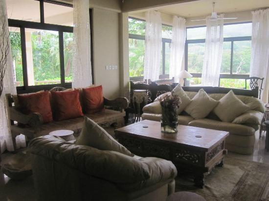 BayView Seychelles: Main living area 