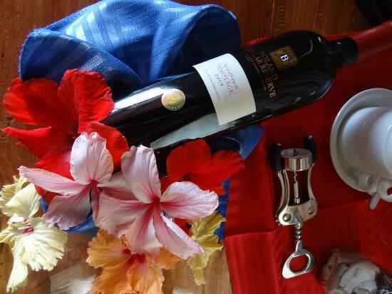Patatran Village Hotel: Gift