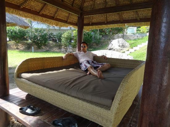 Patatran Village Hotel: Lounge beds