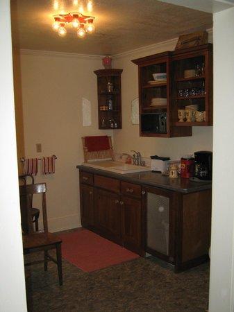 Maid Marian's Bed & Breakfast: Kitchen