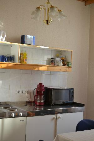Marien-hof Appartement-Hotel: La cucina
