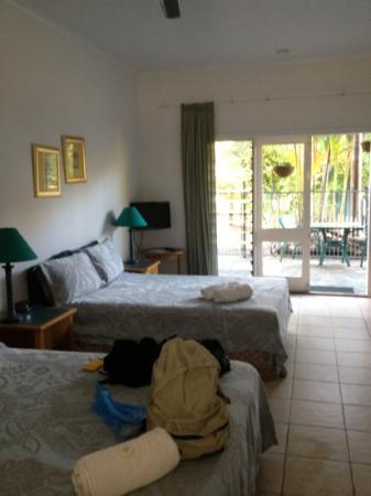 Daintree Wild Bed and Breakfast: camera e portico