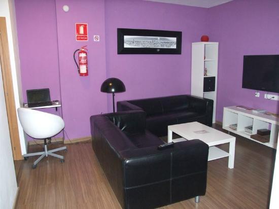 Hostal NITZS BCN: Salotto