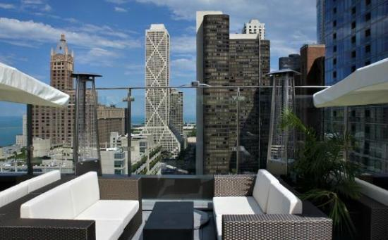 sky terrace at ivy boutique hotel chicago streeterville