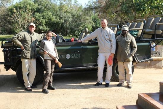 Sabi Sabi Bush Lodge: Our ranger and tracker with us