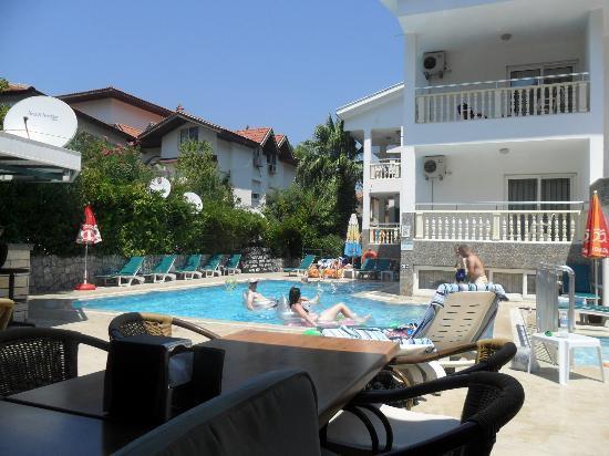 Oylum Garden Hotel: hotel pool area