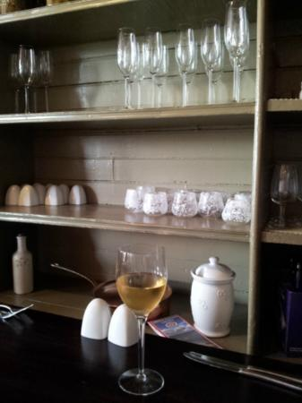 Milford Bistro: A shelving side