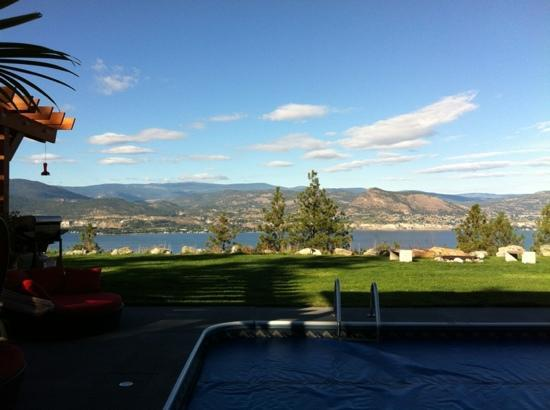 Benchmark B & B: gorgeous lake view
