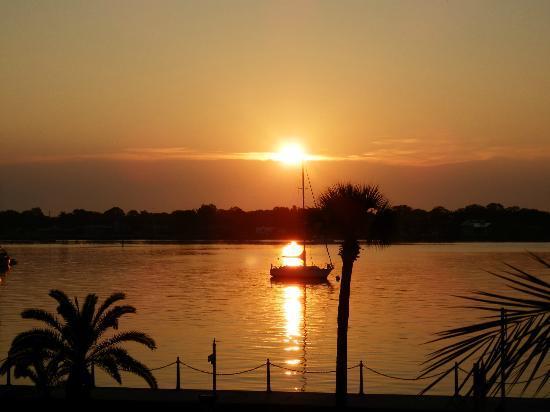 Hilton St. Augustine Historic Bayfront: Sunny Side UP