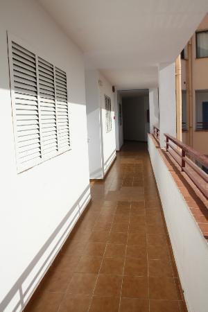 Apartamentos Xaloc : corridoio esterno