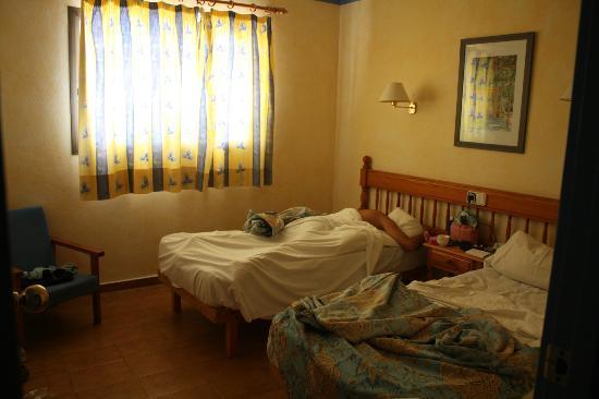 Apartamentos Xaloc : camera