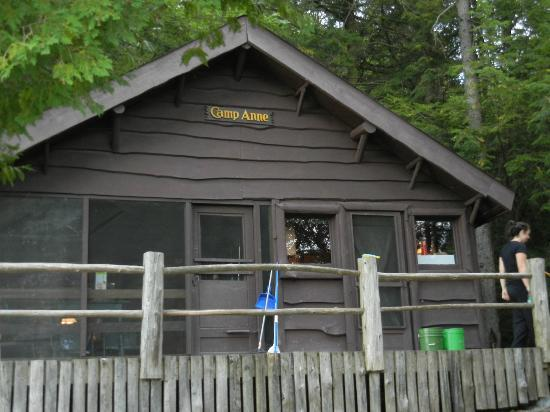 Cochran's Cabins: Camp Anne cabin on the inlet of Kiwassa Lake
