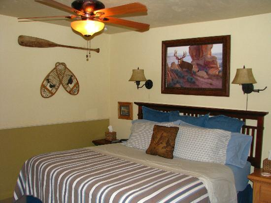 Canyons Bed and Breakfast: Lodge Room 1
