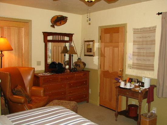 Canyons Bed and Breakfast: Lodge Room 2