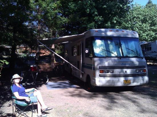 Mt Hood Village RV Resort: Camp site 47, Vine Maple Hollow