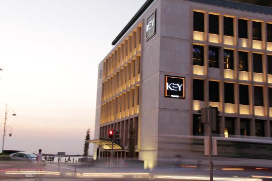 Key Hotel: location