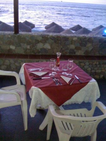 Lido Onda Azzurra : ristorante a pranzo e cena