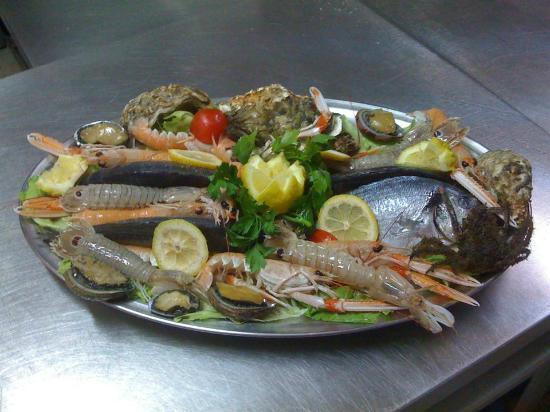Lido Onda Azzurra : cucina a base di pesce di giornata