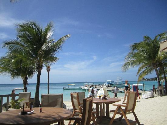 Infinity Bay Spa and Beach Resort : view sitting at lunch at La Palapa