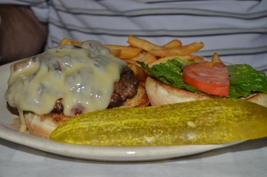 Cody's Original Roadhouse: Bacon Burger melt