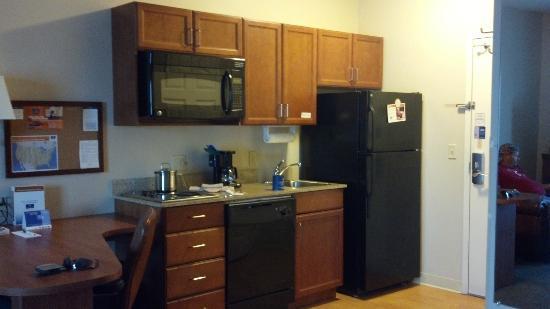 Candlewood Suites Tuscaloosa: Kitchenette