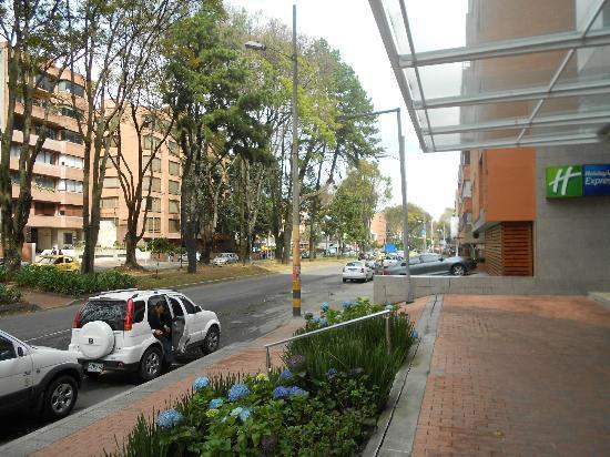 Holiday Inn Express Bogota: Hotel Porch