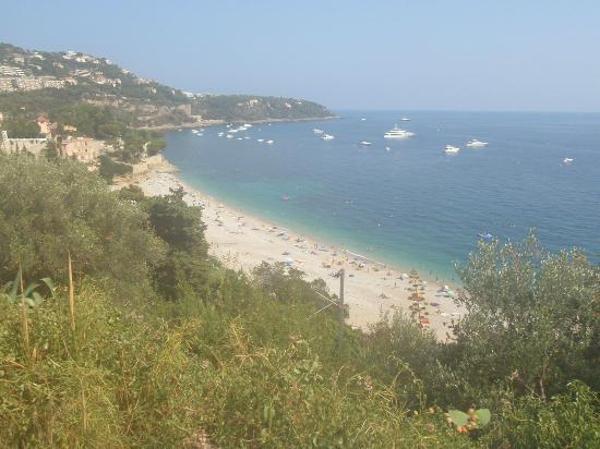 Le Roquebrune: Beach