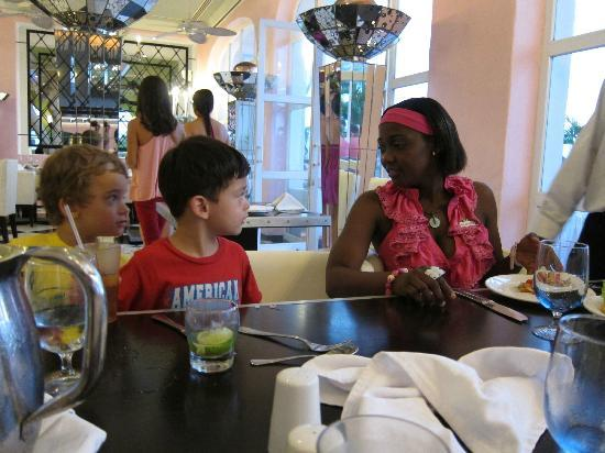 Club Med Ixtapa Pacific: My son with his friend and Mimi, from Petit Club