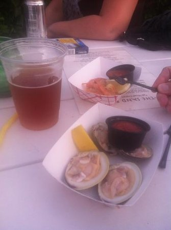 The Sand Bar: Beer and Raw Bar