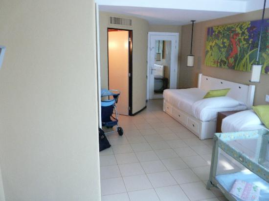Club Med Ixtapa Pacific: Family room. This is the kid's room