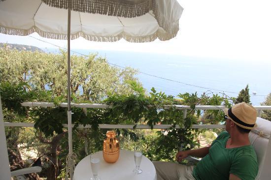 Le Roquebrune: balcony