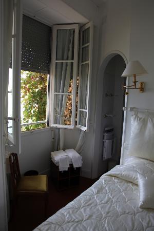 Le Roquebrune: room