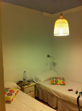 La Casa de la Luna : stanza piccola e scarna