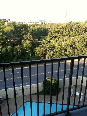 Howard Johnson Express Inn Arlington Ballpark/Six Flags: View