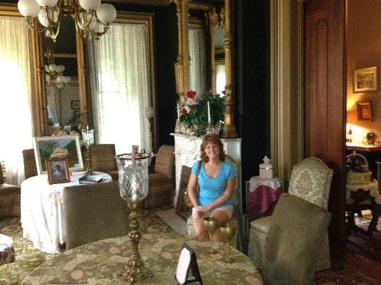 Harry Packer Mansion Inn: Sitting Room