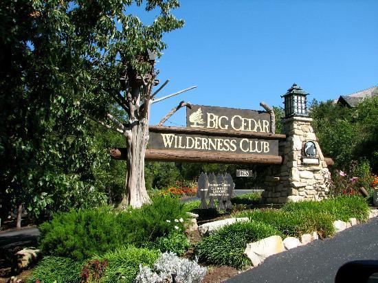 The Wilderness Club at Big Cedar: Entrance to Wilderness Club checkin