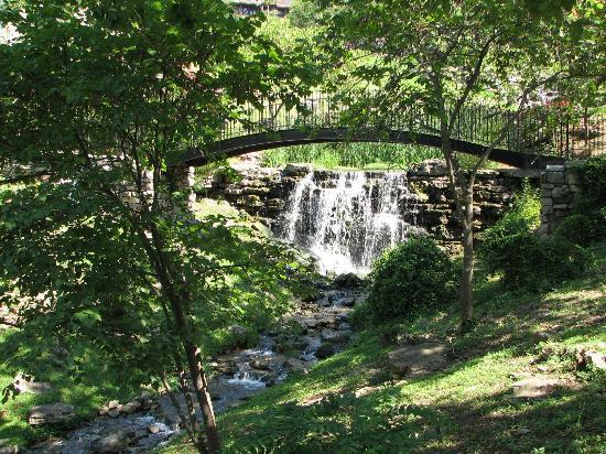 The Wilderness Club at Big Cedar: One of the many waterfalls thru-out Big Cedar