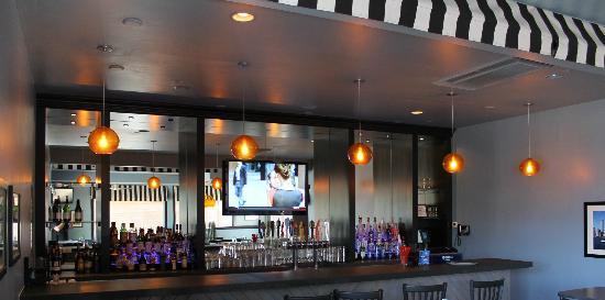 Jersey's On Main: Bar Area