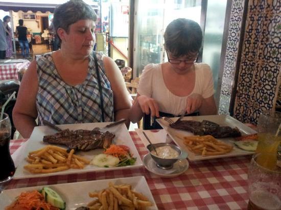 Garoe Grill : T-bone steaks