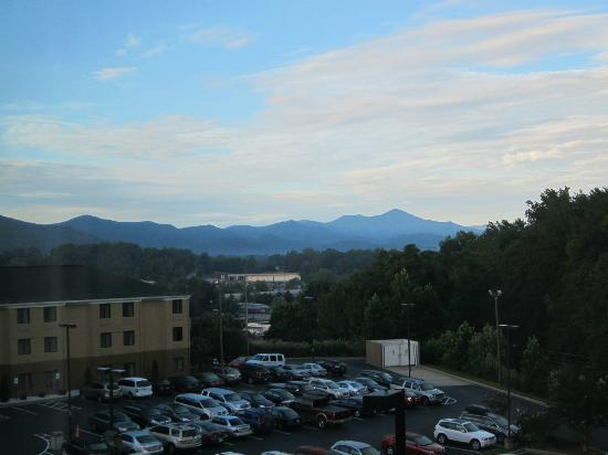 Country Inn & Suites By Carlson, Asheville West (Biltmore Estate): View from the room
