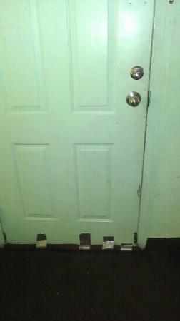 Budget Inn Heber Springs: door