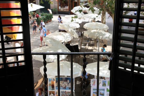 el Jardi: balcony