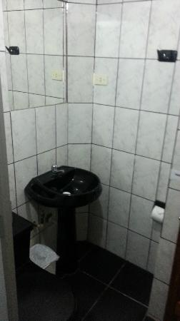 Munay Tika Hotel: Sink
