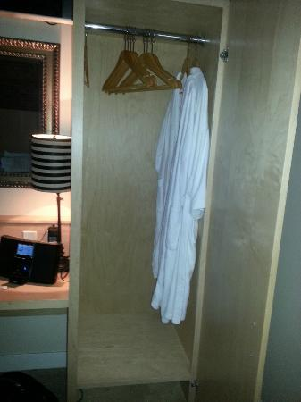 The Franklin Hotel: Bathrobes were a nice touch