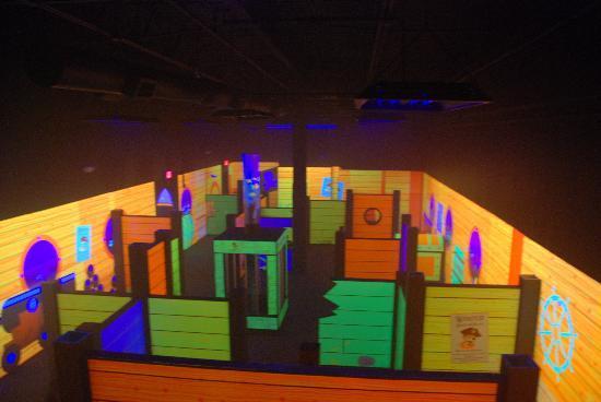 Emerald Coast Mirror Maze: Tag Arena
