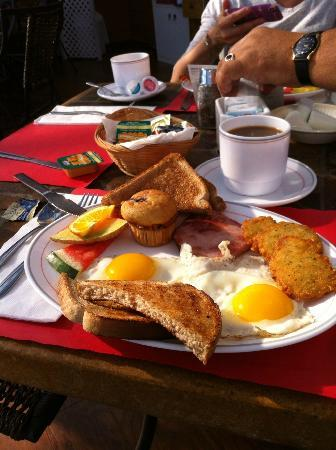 Motel le Vacancier : the breakfest you have included ,if you take the package